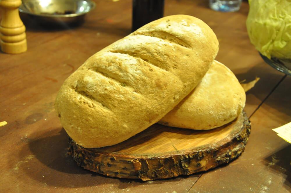 סדנת לחמים (כשר), לחם מקמח מלא, אגוזים וסילאן - השף רודד